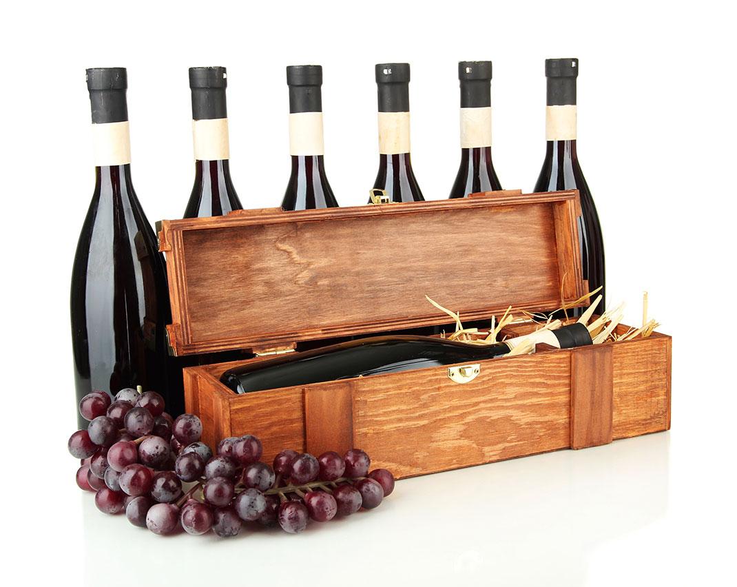 sticle vin in cutii de lemn